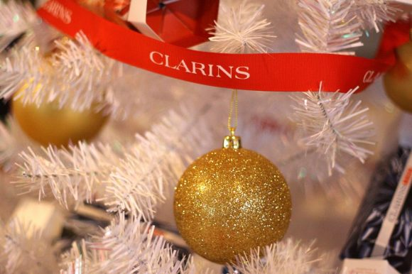 Free £25 discount voucher with every gift set purchased, to be redeemed against a CLARINS or ELEMIS facial treatment in January 2019.
